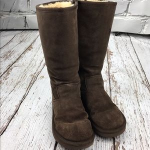 UGG Shoes - 💕SALE💕 UGG Brown Authentic Boots