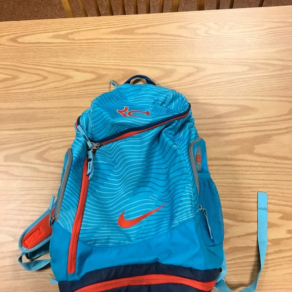 cheap for discount d86b2 aab18 Nike men s EYBL KD Backpack. M 58ebe0ac13302a5e0e014d89