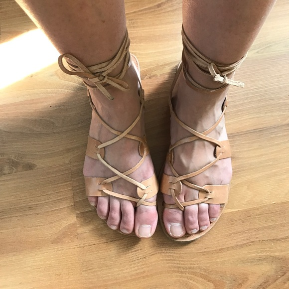 243109abf862 Beautiful Gladiator Sandals - Firm Price. M 58ebe8cec6c795efdf031ae7