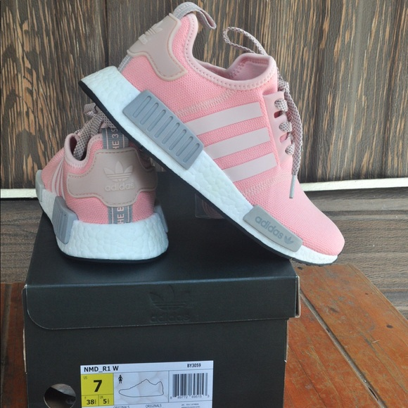 e26361e04c8c9 Adidas Shoes - Adidas NMD R1 size 7 NIB Vapor pink Light Onix