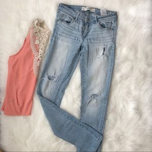 Abercrombie & Fitch Light Distressed Jeans