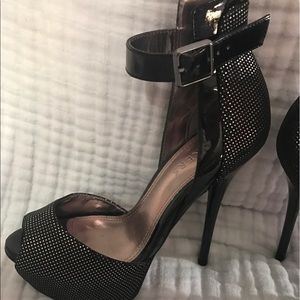 Bakers Shoes - Baker Dalia High Heels Size 6 - Worn Once