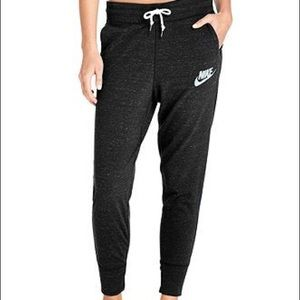 NWT Nike women's joggers