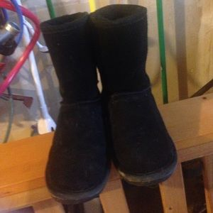 BearPaw Shoes - Black Bearpaw Boots