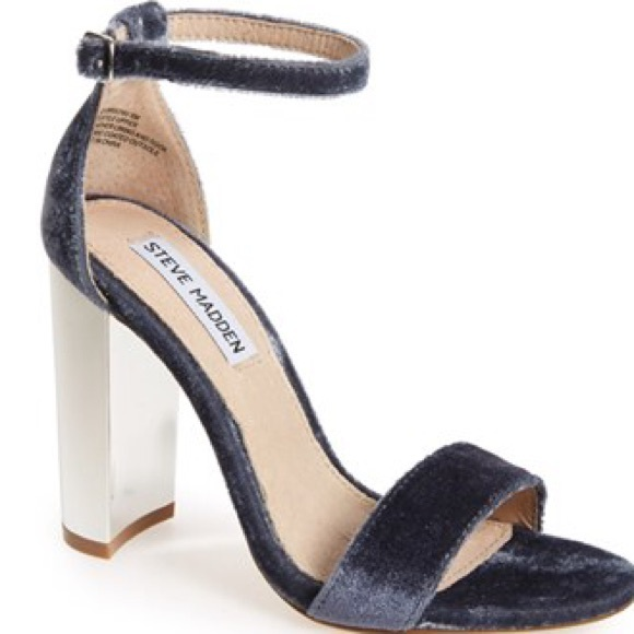 7763be3720b Steve Madden Carrsonv grey velvet block heel sz 8✨