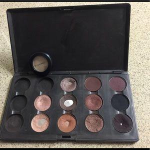 MAC Cosmetics Other - Mac eyeshadow w. palette (USED)