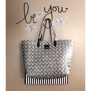 henri bendel Handbags - 🔥 SALE 🔥Henri Bendel Market tote