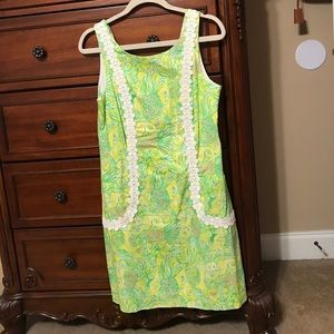 Classic Lilly shift dress