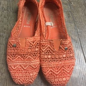 Shoes - Women's slip on shoes