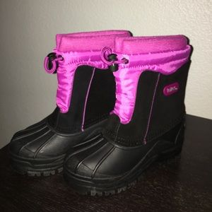Totes Other - New kids boots for sale