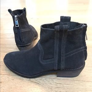 Dolce Vita Brown Suede Booties Size 6 - never worn