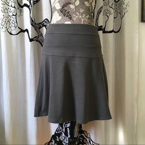 Athleta Dresses & Skirts - Athleta Soft Skirt SZ 2/4