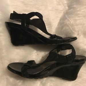 Kenneth Cole Reaction Shoes - Kenneth Cole Reaction black wedges
