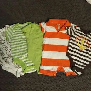 Old Navy Other - **DAY SALE** EUC Old Navy 3-6M boy's onesie set.