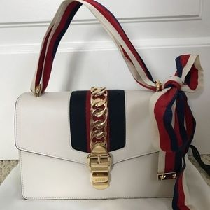 Gucci Off White Leather Bow Flap Shoulder Bag
