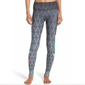 Onzie Pants - NWT Onzie graphic legging size M/L