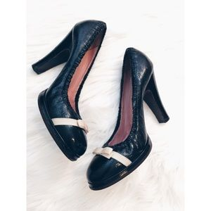 Marc Jacobs Shoes - 24hrSale❗️Marc Jacobs Patent Leather Bow Heel 11