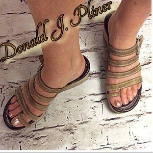 Donald J. Pliner Shoes - DONALD J. PLINER GOLD WEDGE HEEL SANDALS/SHOES