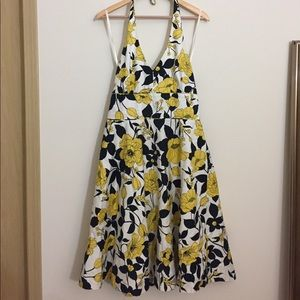 Jessica Howard Dresses & Skirts - Jessica Howard Black Yellow Halter Flirty Dress