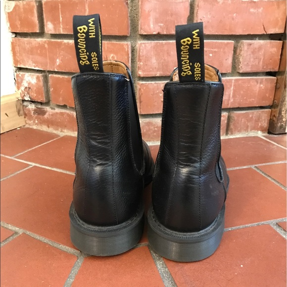 46 off dr martens other men 39 s doc martens chelsea boots size 10 from victor 39 s closet on poshmark. Black Bedroom Furniture Sets. Home Design Ideas