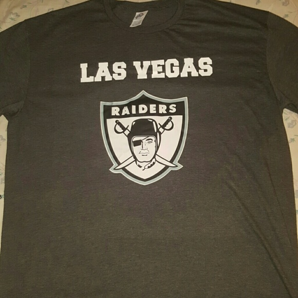 06043cc344e New Las Vegas Raiders Tee Shirt ( Others available.  M 58ecc17ec6c795b98905fcb4