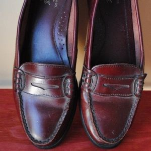 Vintage Women's Bass Leather Oxblood Loafers