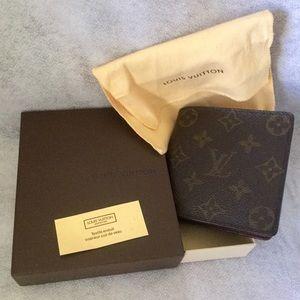 Final SaleLouis Vuitton Mono Men's Wallet