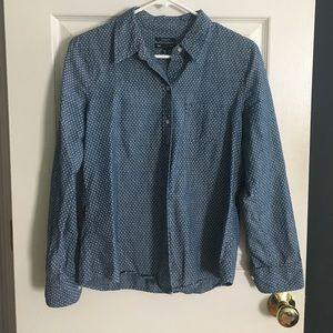 Gap boyfriend fit polka dot chambray shirt