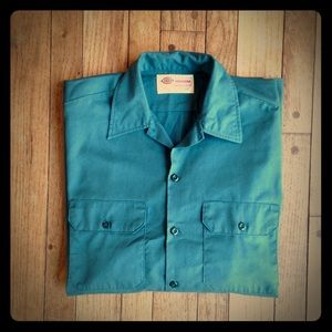 Dickies Other - Dickies classic Lincoln green button down shirt