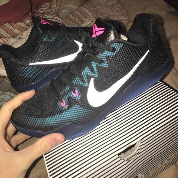 best cheap abb40 45b9f kobe 11 DS never put on foot. NWT. Nike