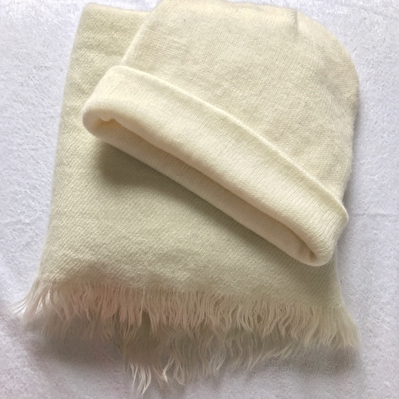 Forever 21 Accessories - Forever 21 soft cream scarf & hat.