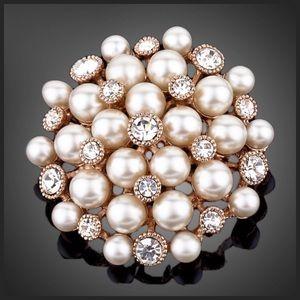 Jewelry - 🆕 Swarovski Crystal Retro Pearl Brooch DF101