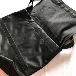 Kate Spade Bags - Kate Spade messenger bag.
