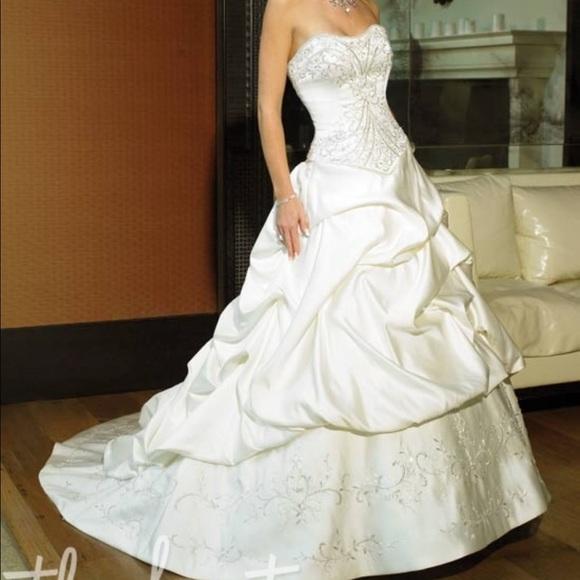 Maggie Soterro Dresses & Skirts - Maggie Sorrento Wedding Gown