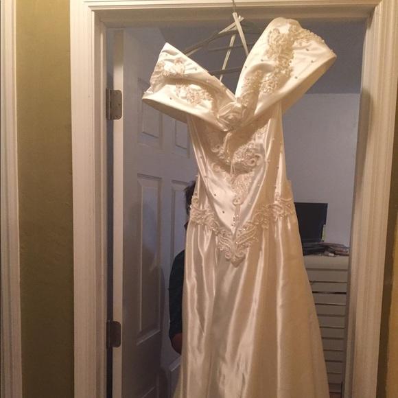 Oleg Cassini Dresses & Skirts - Wedding dress and Slip