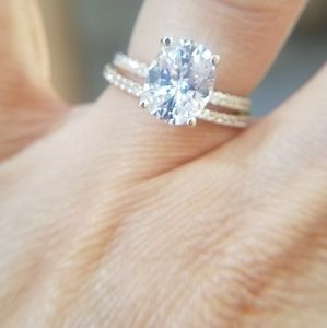 Jewelry - 14k Solid Gold Engagement Ring 2pc set