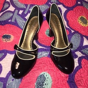 BCBGirls Shoes - BCBGirls Patent Leather Black Pumps, Size 8.5
