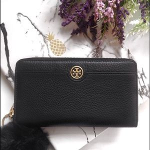 Tory Burch Handbags - Tory Burch Landon Leather Zip Continental Wallet