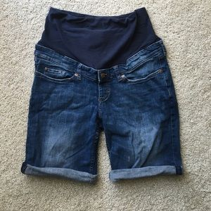 H&M Pants - Full panel maternity jean shorts. H&M!