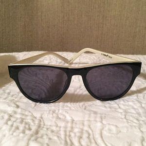A.J. Morgan Accessories - A.J. Morgan sunglasses - Black & White Frame