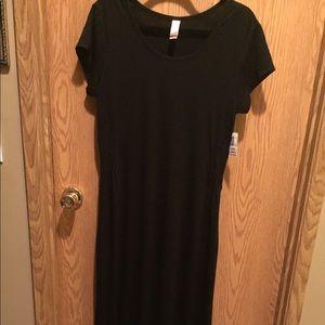 Short sleeve long cut dress