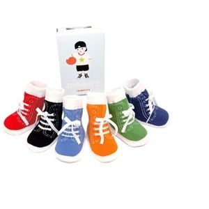 Trumpette Other - NEW TRUMPETTE johnnys sneaker boys baby socks 0-12