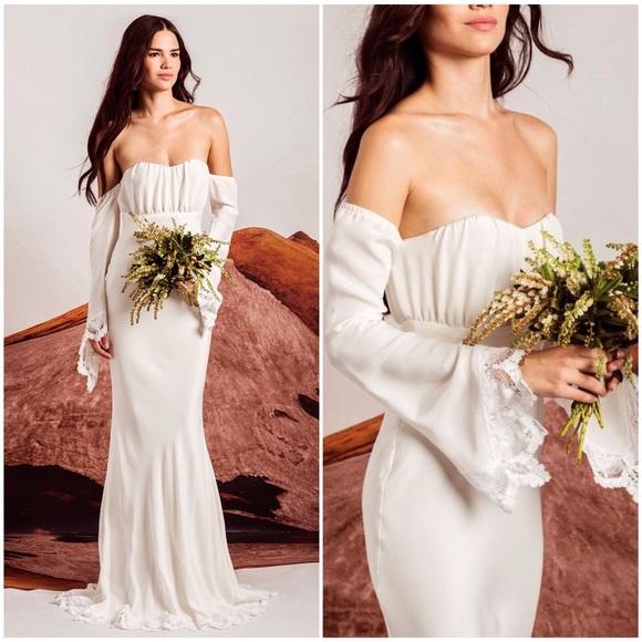 8859b5a5616 STONE COLD FOX BOHO BRIDAL GOWN WEDDING DRESS