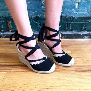 Aria Lace Up Wedges in Black