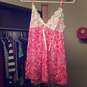 Cabernet Other - Pink and white pajama top