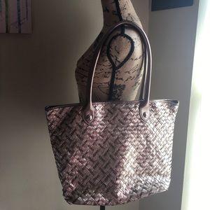 Elliott Lucca Handbags - 🎉FLASH SALE🎉Elliott Lucca tote