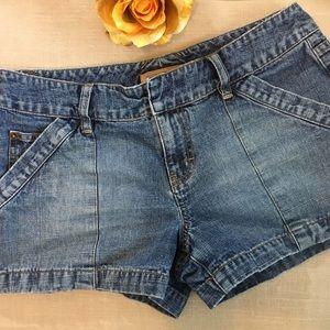 Vintage Tommy Jeans Jean Shorts size 5