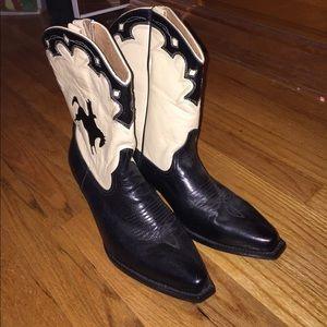 Shoes - Vintage leather upper cowboy boots