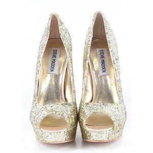 Steve Madden Shoes - NWOT Steve Madden gold heels