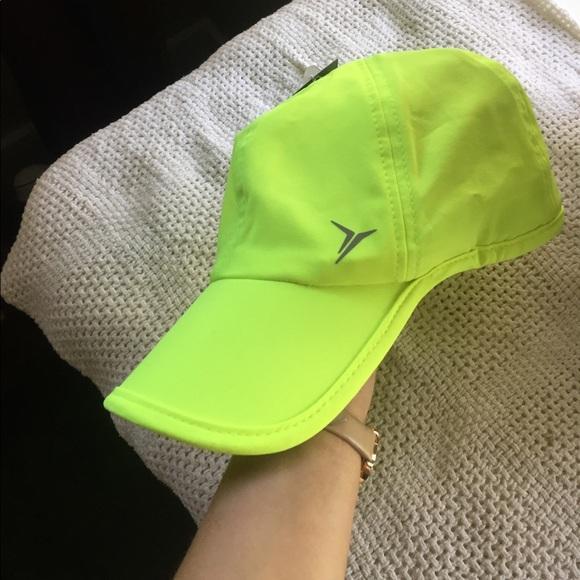 2e2a1310 Old Navy Active Hat NWT. M_58ed62c42de512668f02015f